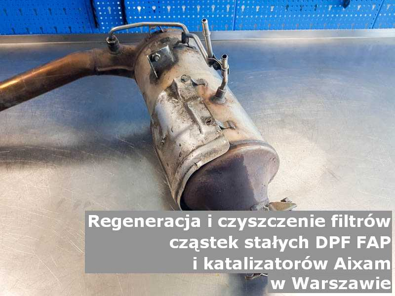 Myty filtr marki Aixam, na stole w pracowni regeneracji, w Warszawie.