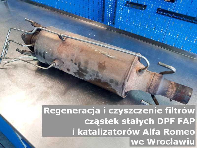 Naprawiony filtr cząstek stałych GPF marki Alfa Romeo, w warsztatowym laboratorium, w Wrocławiu.