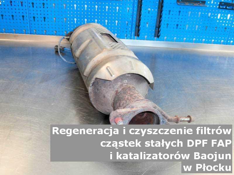Zregenerowany katalizator utleniający marki Baojun, w pracowni regeneracji na stole, w Płocku.
