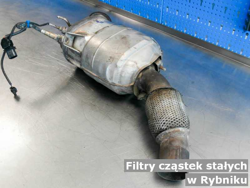 Filtr cząstek stałych po naprawie w warsztacie samochodowym w Rybniku.