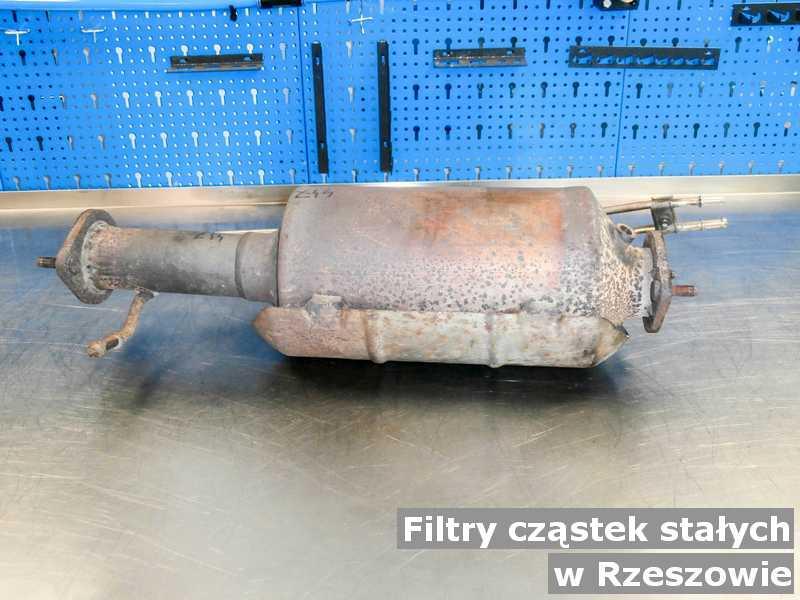 Filtr cząstek stałych gotowy w warsztatowej pracowni w Rzeszowie.