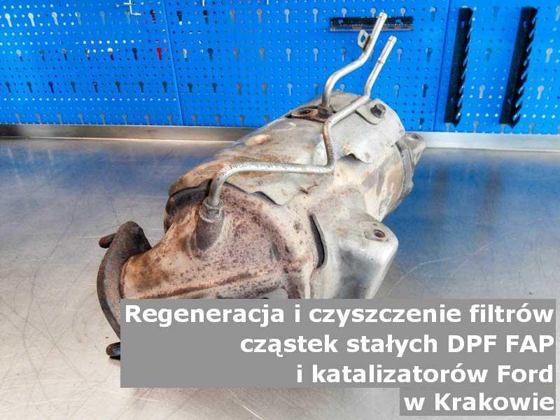 Naprawiany filtr cząstek stałych GPF marki Ford, w laboratorium, w Krakowie.