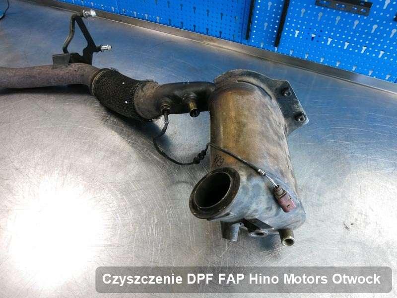 Filtr DPF układu redukcji emisji spalin do samochodu marki Hino Motors w Otwocku dopalony na specjalistycznej maszynie, gotowy do instalacji