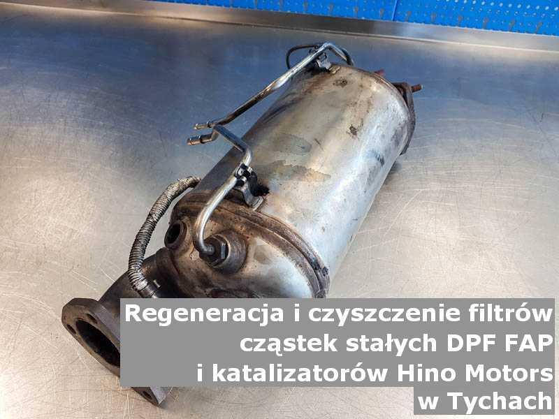 Myty filtr cząstek stałych GPF marki Hino Motors, w laboratorium, w Tychach.