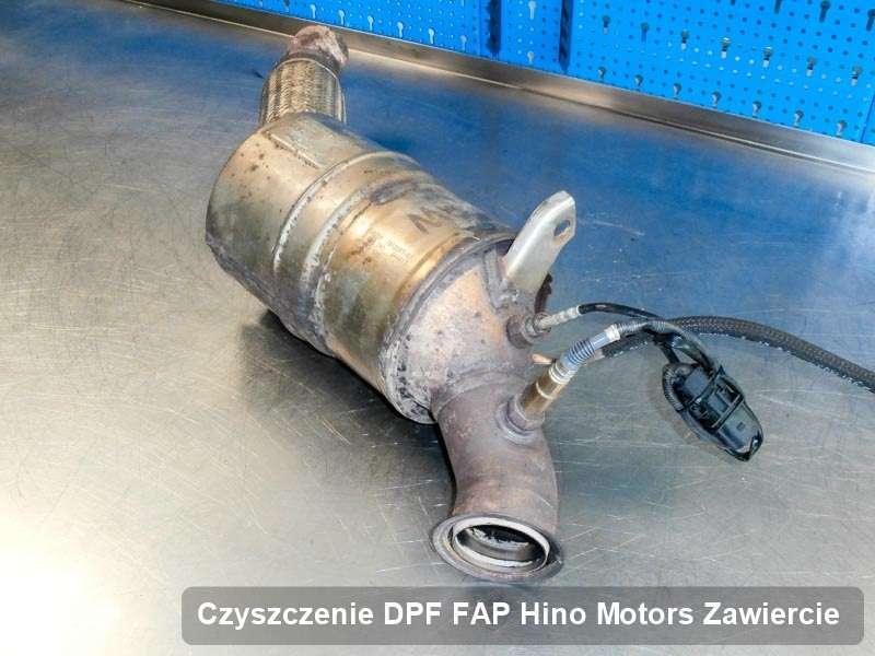 Filtr DPF do samochodu marki Hino Motors w Zawierciu wypalony na specjalistycznej maszynie, gotowy do instalacji