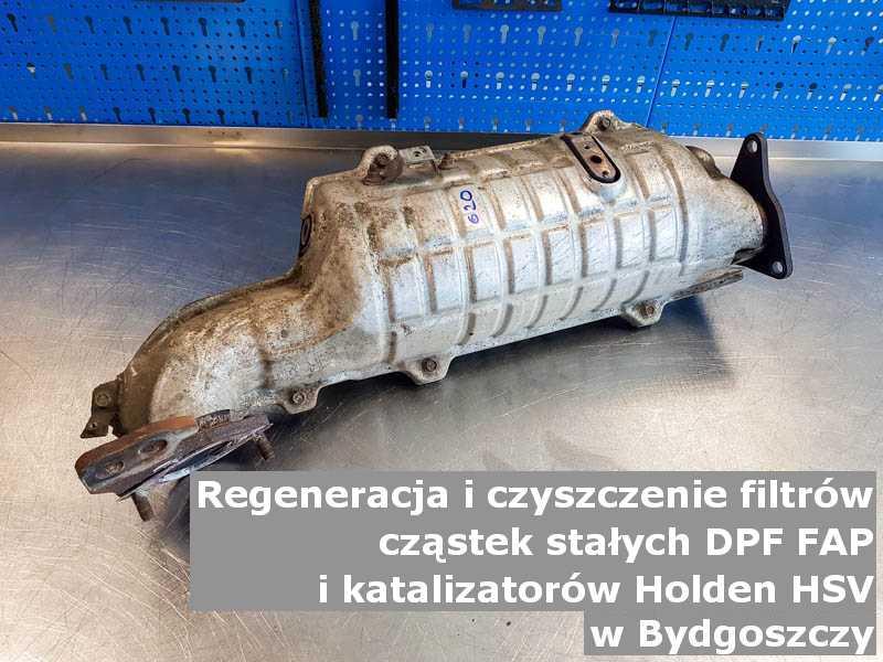 Regenerowany katalizator SCR marki Holden (HSV), w warsztacie na stole, w Bydgoszczy.
