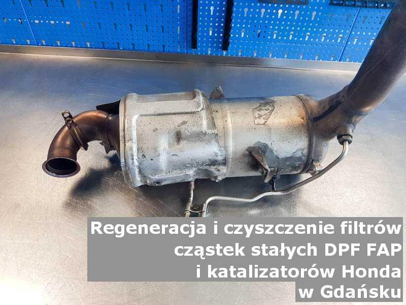 Myty filtr cząstek stałych DPF marki Honda, na stole, w Gdańsku.