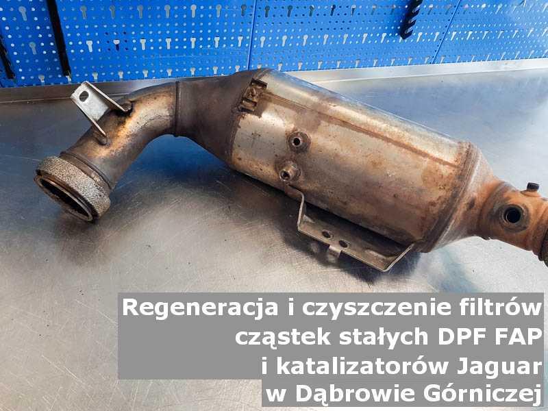 Wypalony z sadzy katalizator SCR marki Jaguar, w pracowni regeneracji, w Dąbrowie Górniczej.