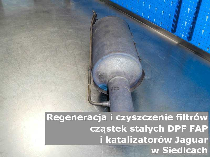 Naprawiany filtr cząstek stałych DPF/FAP marki Jaguar, w pracowni laboratoryjnej, w Siedlcach.