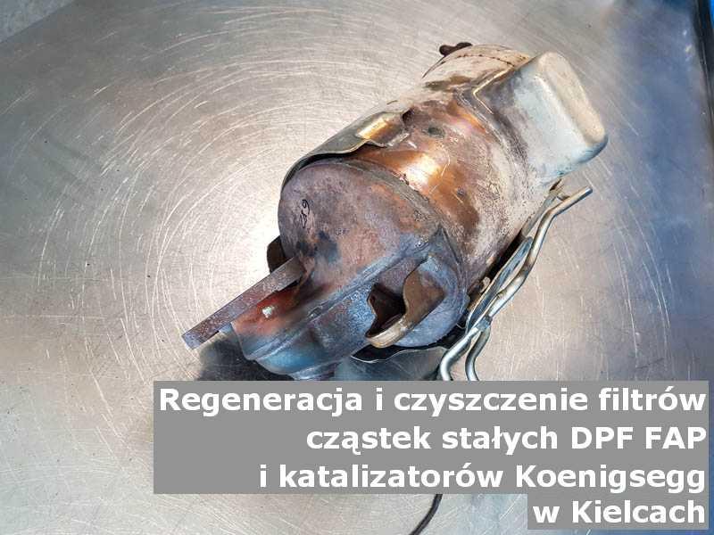 Wypalany katalizator marki Koenigsegg, w specjalistycznej pracowni, w Kielcach.