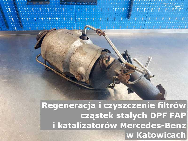 Płukany katalizator marki Mercedes Benz, w specjalistycznej pracowni, w Katowicach.
