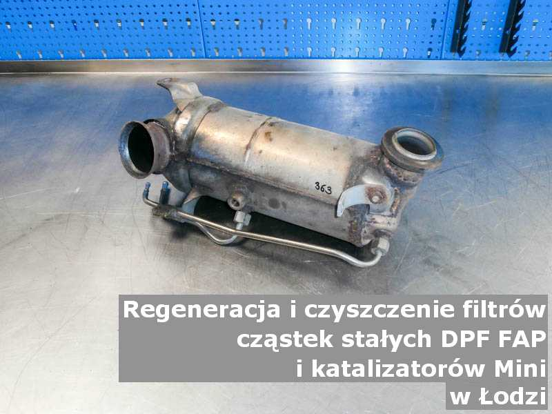 Regenerowany filtr DPF marki Mini, w pracowni, w Łodzi.