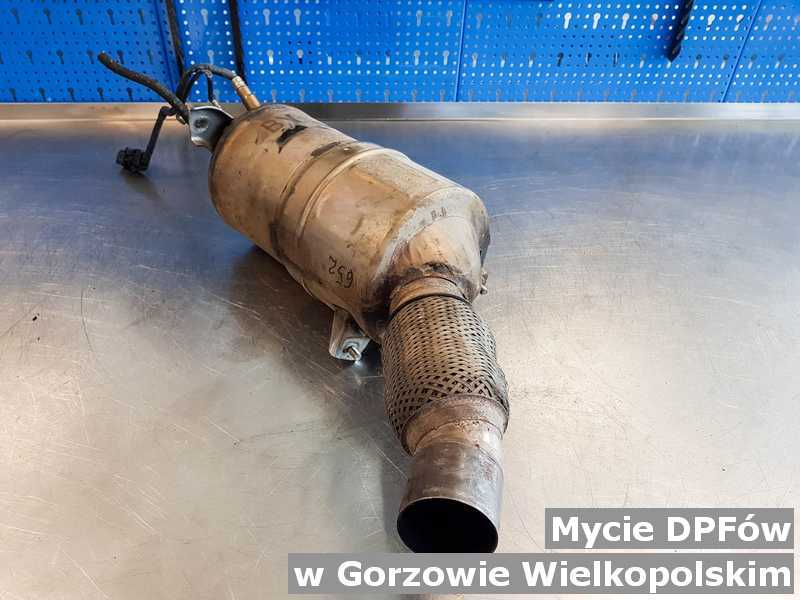 Filtr DPF umyty, po oczyszczaniu w punkcie obsługi technicznej w Gorzowie Wielkopolskim.