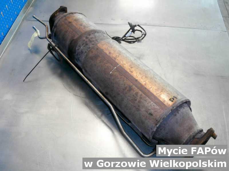 Filtr cząstek stałych FAP z Gorzowa Wielkopolskiego umyty, oczyszczony w warsztacie samochodowym.