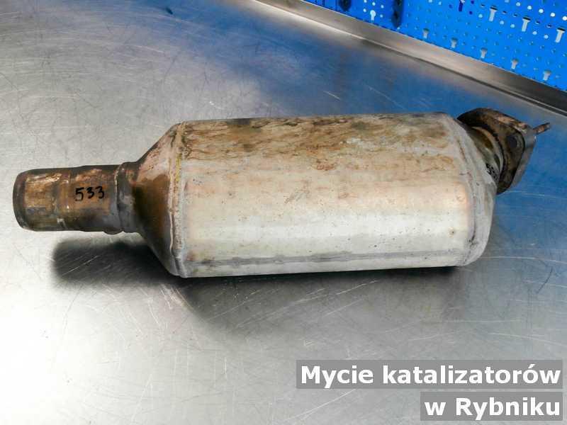 Katalizator z Rybnika umyty, po oczyszczaniu w pracowni.