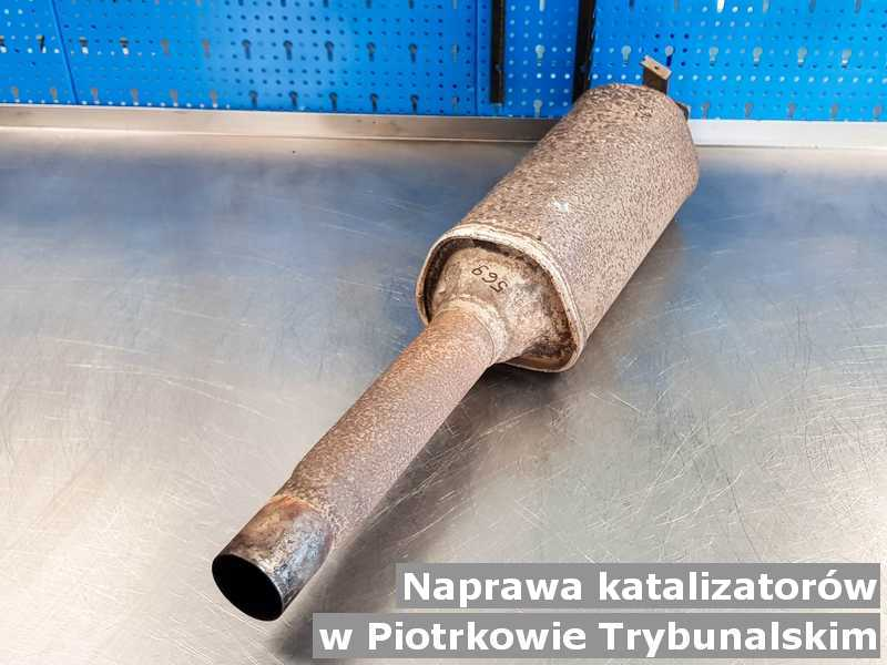 W naprawie katalizator samochodowy w Piotrkowie Trybunalskim przygotowywany w warsztatowym laboratorium.