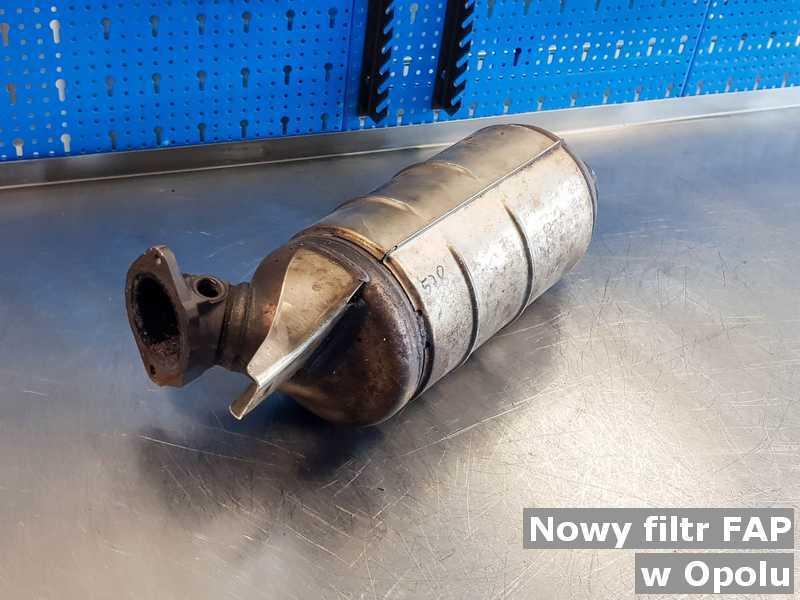 FAP o parametrach, jak nowy filtr cząstek stałych FAP z Opola po oczyszczaniu w warsztatowej pracowni.