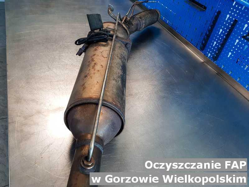 FAP w Gorzowie Wielkopolskim na stole oczyszczony, przygotowywany do wysyłki.