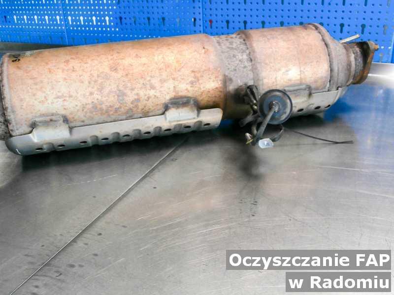 FAP w Radomiu w warsztacie samochodowym po czyszczeniu, przed wysyłką do klienta.