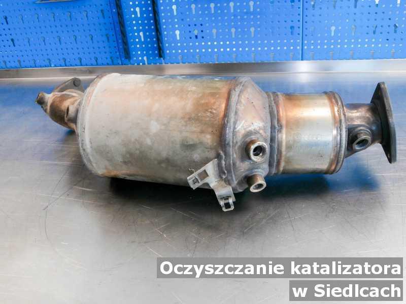 Konwerter, katalizator w Siedlcach w warsztacie samochodowym oczyszczony, przed wysyłką.