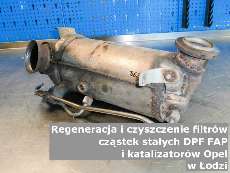 Regenerowany katalizator SCR marki Opel, w pracowni, w Łodzi.