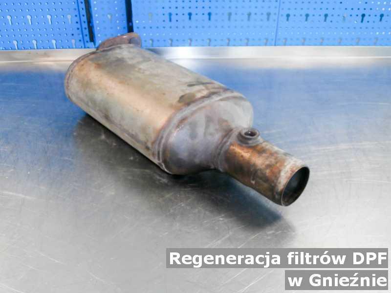 Filtr DPF pod Gnieznem w pracowni po regeneracji przed wysłaniem do klienta.