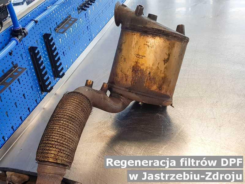 Filtr cząstek stałych DPF pod Jastrzębiem-Zdrojem w warsztatowym laboratorium zregenerowany przed wysłaniem.