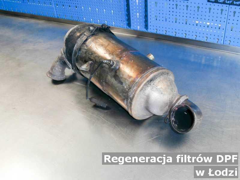 Filtr cząstek stałych DPF z Łodzi w pracowni zregenerowany przed wysłaniem do klienta.