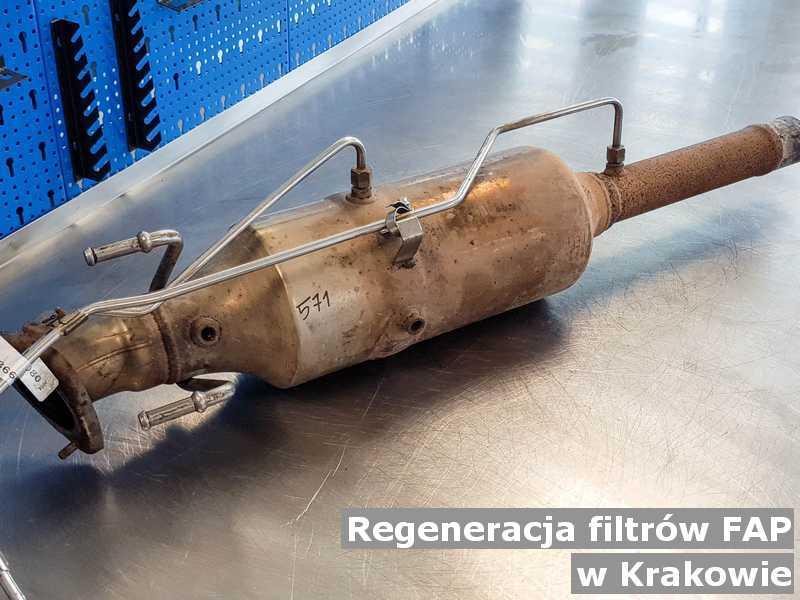 Filtr FAP pod Krakowem w warsztacie zregenerowany przed wysyłką do klienta.