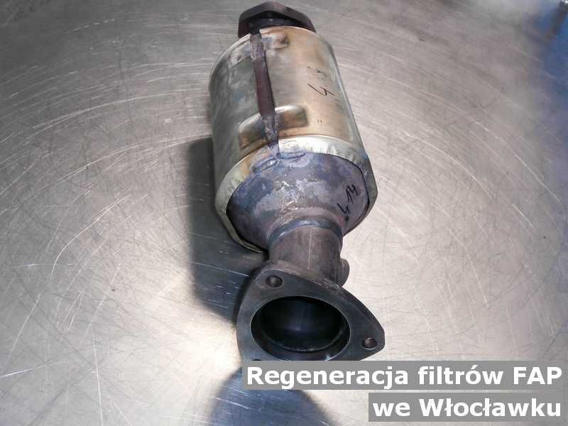Filtr cząstek stałych FAP z Włocławka w laboratorium po regeneracji przygotowywany do wysyłki.