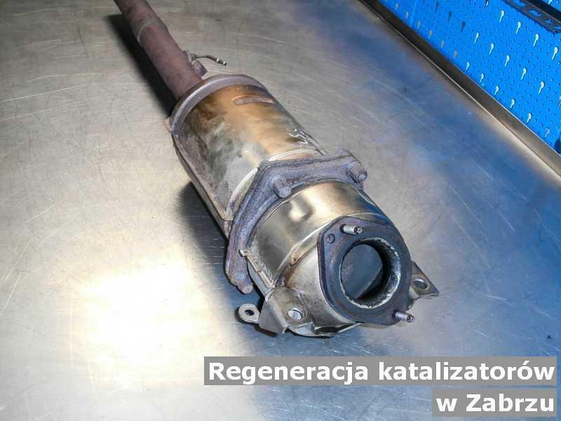 Katalizator samochodowy pod Zabrzem w laboratorium zregenerowany przed wysyłką.