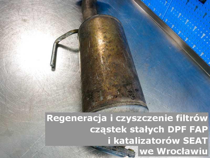 Wypalony filtr cząstek stałych DPF/FAP marki SEAT, w warsztacie, w Wrocławiu.