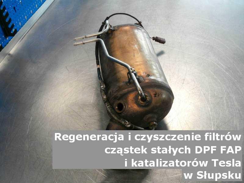 Wypalony filtr DPF marki Tesla, w specjalistycznej pracowni, w Słupsku.