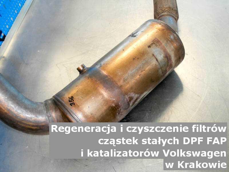 Naprawiony filtr FAP marki Volkswagen, w pracowni regeneracji, w Krakowie.