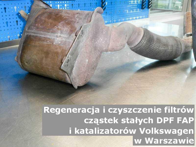 Czyszczony katalizator SCR marki Volkswagen, w specjalistycznej pracowni, w Warszawie.