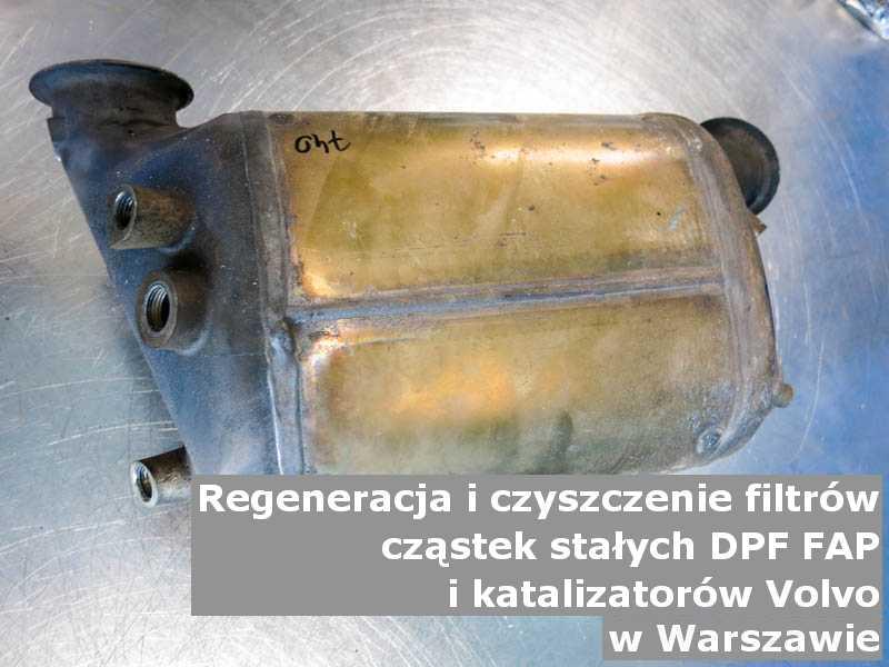 Wyczyszczony filtr cząstek stałych DPF marki Volvo, w pracowni, w Warszawie.