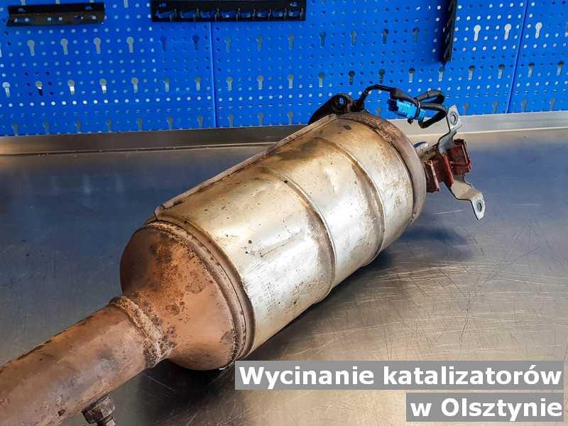 Konwerter, katalizator w warsztatowej pracowni z Olsztyna w miejsce wyciętego katalizatora przed spakowaniem przed wysłaniem do klienta.